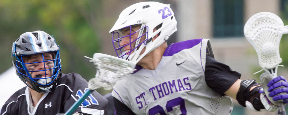D-II Poll: St. Thomas Holds On